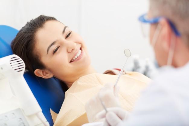 איך מטפלים בדלקת חניכיים | רופא שיניים מומלץ בתל אביב | רופאי שיניים מומלצים